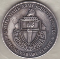 Medal United States Army John F. Kennedy Special Warfare Center - Etats-Unis
