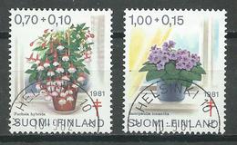 Finlande YT N°849-850 Oeuvres Antituberculeuses Fleurs En Pot Oblitéré ° - Finnland