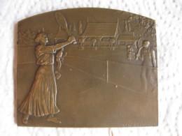 Médaille Tennis Féminin, Tournois De Noel 1927 Offert Par Le Petit Méridional, Herault , Par R. Baudichon - Francia