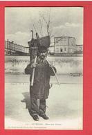 AUVERGNE 1900 ALLANT AU CHAMPS EDITEUR A CLERMONT FERRAND CARTE EN TRES BON ETAT - Sin Clasificación