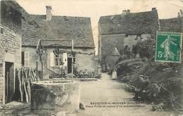 BAZOCHES DU MORVAN - Vieux Puits Et Restes D'un Ancien Château. - Bazoches