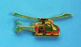 1 PIN'S  //   ** HÉLICOPTÈRE / ALOUETTE II  SE 313 // PROTECTION CIVILE ** . (J.Y. Segalen Collection) - Bomberos