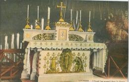 Lourdes; L'Autel (en Argent) Dans La Grotte - Non Voyagé. (Alliance Catholique - Lourdes) - Lourdes