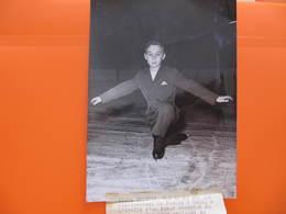 Non CPA - Photo UNIVERSAL - ALAIN GILETTI Agé De 12 Ans - Format : 13 X 18 Cm - Figure Skating