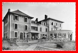 CPSM/pf (40) BISCARROSSE-PLAGE.  Hôtel De La Plage, Animé...H565 - Biscarrosse