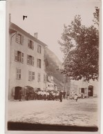 CLUSES Groupe Sur La Place En 1905 (18cmX13cm)168J - Luoghi