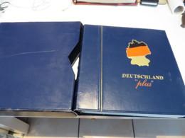 DEUTSCHLAND  2001 Bis 2002  Posten  O /  ** /  MARKEN  Auf  Deutsche Post Plus  - VORDRUCKSEITEN  Im  RINGBINDER - Timbres