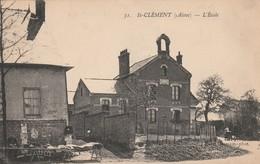 02 - St-CLEMENT (Aisne) - L'Ecole. - Altri Comuni