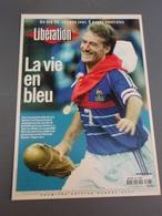 Carte Didier DESCHAMPS Libération La Vie En Bleu.La France Gagne Le Mondial 1998 - Sportifs