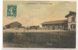 Courtenay - Place De La Gare - Carte Toilee Et Tramée -  CPA° - Courtenay