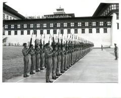 BHOUTAN BHUTAN SOLDIER'S OF BHUTAN'S ROYAL ARMY THIMPHU CORONATION KING JIGME SINGYE WANGCHUCH - Bhutan