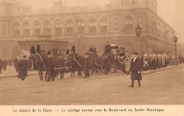 Le Départ De La Gare - Le Cortège Tourne Vers Le Boulevard Du Jardin Botanique - Fêtes, événements