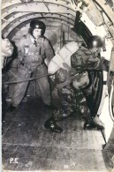 CARTE PHOTO : PAU SAUT EN PARACHUTE PARACHUTISTE 1932 SOLDATS GUERRE MILITAIRE PARA - Parachutisme