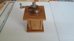 ANCIEN  MOULIN A POIVRE    **** SUPERBE    A  SAISIR **** - Vaisselle, Verres & Couverts