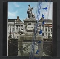Artis Historia  17 X 17cm La Revolution Belge 1830 Place Des Martyrs Bruxelles Guillaume Geefs - Histoire