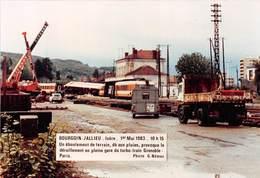 38-BOURGOIN-JALLIEU-1er MAI 1983,15H15 UN EBOULEMENT DE TERRAIN ,DÛ AUX PLUIES LE DERAILLEMENT EN GARE DU TRUBO TRAIN - Bourgoin