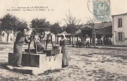 CPA - La Jarrie - La Place Et Les Halles - Environs De La Rochelle - France