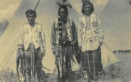 Missiën Der Paters Oblaten In De Ijsvelden Van Canada, Indiaanse Dansers   Indianen       I 3990 - Canada