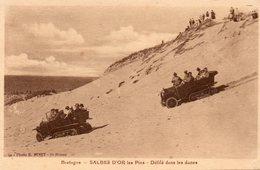 Sables  D' Or  Les  Pins -   Défilé  Dans  Les  Dunes. - France