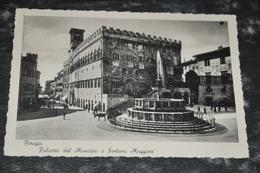 3440  PERUGIA Palazzo Del Municipio E Fontana Maggiore - Perugia
