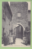 CHASSELAY : Groupe D'Enfants Devant Les Ruines D'un Vieux Château. 2 Scans. Edition ? - France