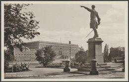 Utsikt Från Kungsträdgården Med Slottet I Bakgrunden, Stockholm, C.1930 - Nordisk Konst Foto Brevkort - Sweden
