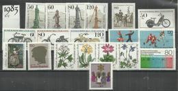 """Berlin Jahrgang 1983 """"19 Briefmarken Mi.-Nrn.:689-707 """" Postfrisch  Mi.: 35,50 € - Neufs"""