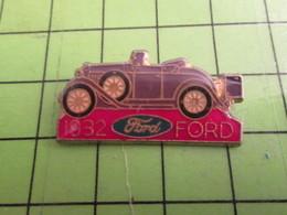 1016a Pin's Pins / Beau Et Rare : Thème AUTOMOBILES / FORD COULEUR LILAS 1932 - Ford