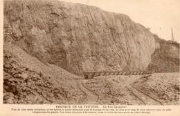 12. CPA. SARRANS; Construction Du Barrage De Sarrans. Roc Cantoinet, Extraction De La Roche Volcanique. - Autres Communes