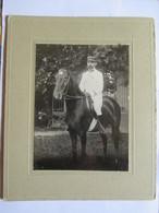 Photographie Ancienne  Cavalier Officier (Capitaine)  En Tenue Blanche -  Légion D'Honneur - N° 58 Sur Col - TBE - War, Military