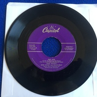 """Vintage 45 Rpm Capitol Record: Bing Crosby And Grace Kelly, """"True Love"""" & Well Did You Evah? - Musicals"""