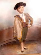 VERS 1890/1900 RHONE ALPES - ARLES ? - PASTEL FIXE SUR PHOTO AVEC DETAILS HUILE ? PETIT TOREADOR Signé MISSOL PIERRON - Non Classés