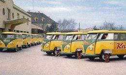 Un Parc Avec Des Volkswagen Combi Vans - Publicité Pour La Marque 'Knorr' -  15x10 PHOTO - Camions & Poids Lourds