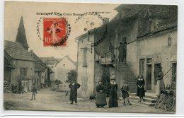 71 ETRIGNY Plutot Rare Quartier La Croix Rousse Animation 1912 Timb - Editeur Ernusse       /D21--2018 - France