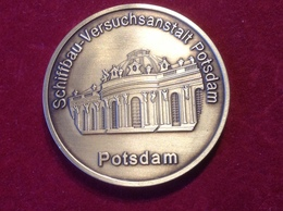 Medaille Schiffbau Versuchsanstalt Potsdam 2003 Erster Schleppwagen - Elongated Coins