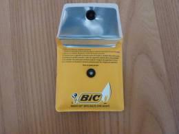 Cendrier De Poche Publicitaire (BIC) * - Autres