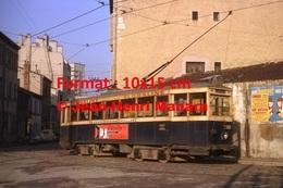Reproduction D'une Photographie D'un Tramway Avec Les Publicités Clarville Et Floraline à Marseille En 1964 - Reproductions