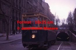 Reproduction D'une Photographie Du Tramway 1200 Ligne 68 Sortant Du Tunnel De Noailles à Marseille En 1963 - Reproductions