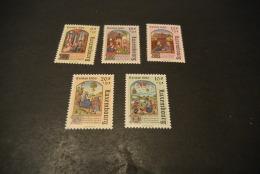 K16185 -set  MNH Luxembourg - Caritas     Christmas 1986 - Noël