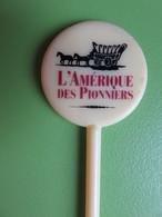 216 - Touilleur - Agitateur - Mélangeur à Boisson - L'Amérique Des Pionniers - Diligence - Swizzle Sticks