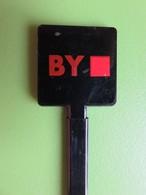 218 - Touilleur - Agitateur - Mélangeur à Boisson - BY - Carré Rouge - Swizzle Sticks