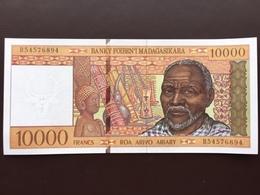 MADAGASCAR P79 10000 FRANCS 1995 UNC - Madagascar