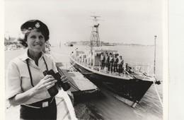 """PHOTO Bâteau De La Marine Britannique Dragueur De Mines """" PORKISHAM """" - 003 - Bateaux"""