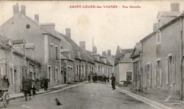 (74) CPA  Saint Leger Des Vignes  Rue Sirnelle   (Bon état) - Frankreich