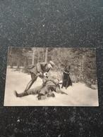 Militair // Sanitätshund Ago Hat Einen Verwundeten ...... // 19?? Medical Rescue Dog // 19?? - Militaria