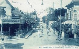 Pornichet (16), Avenue De Mazy Conduisant à La Baule. Un Léger Pli Sinon Jolie Carte - Pornichet