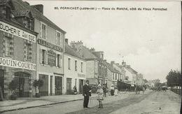 Pornichet (36), Place Du Marché, Coté Du Vieux Pornichet. Une Belle Animation - Pornichet