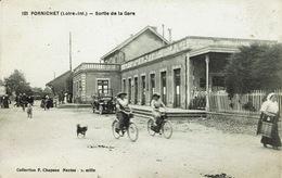Pornichet (49), Sortie De La Gare. Belle Animation Avec Des Vélos Sur Cette Belle Carte - Pornichet