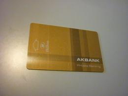 Turkey Istanbul Hilton Hotel Room Key Card (golden Version AKBANK) - Cartes D'hotel