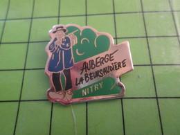 1118a Pin's Pins / Rare Et De Belle Qualité / THEME ALIMENTATION / AUBERGE LA BEURSAUDIERE NITRY (Coucou Gégé) - Food